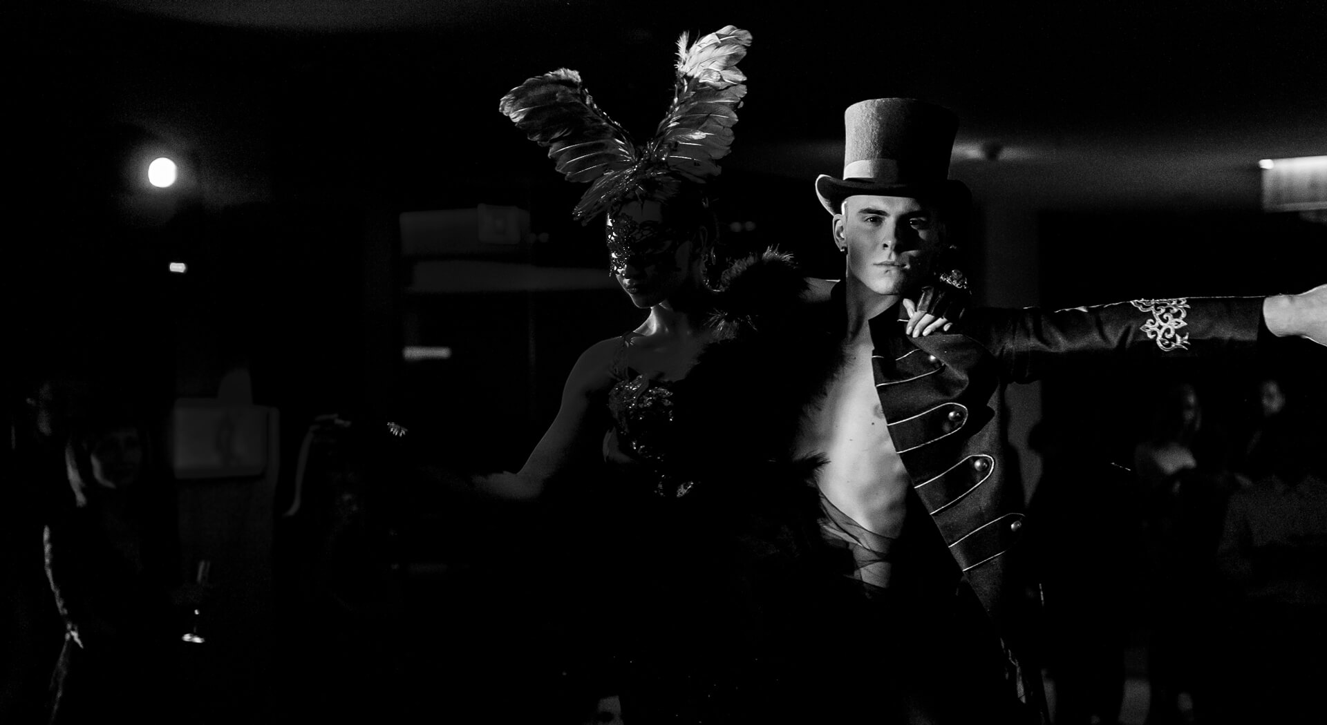 Шоу Black Swan